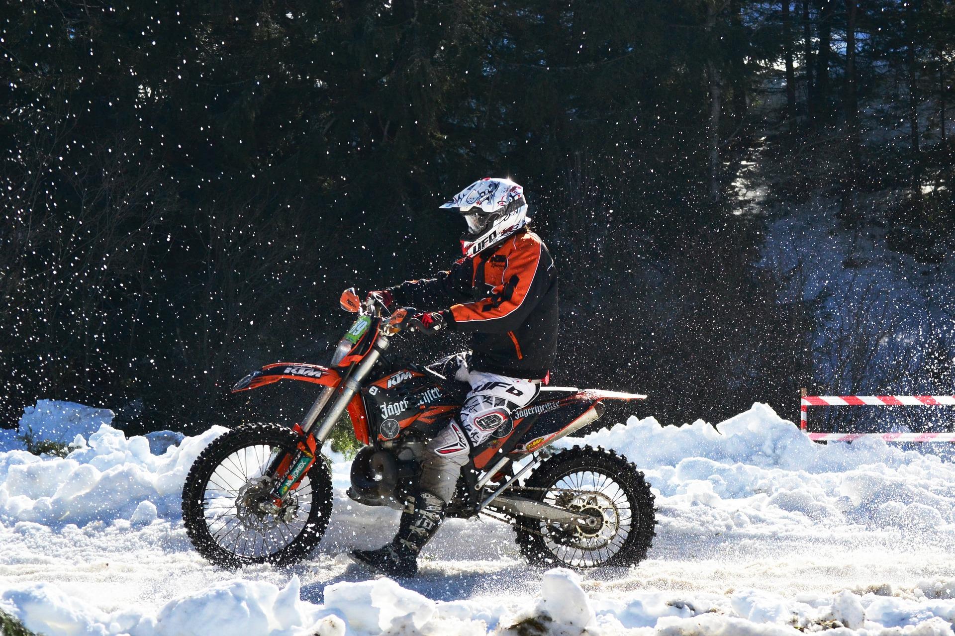 Motorrad Winterhandschuhe Test