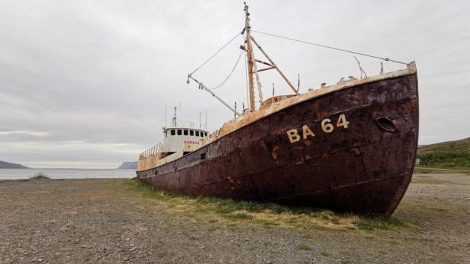 Altes rostiges Schiff Island