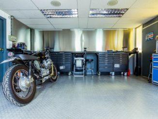 Motorradgarage Test